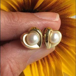 Vintage 14K Gold Pearl Heart Stud Earrings